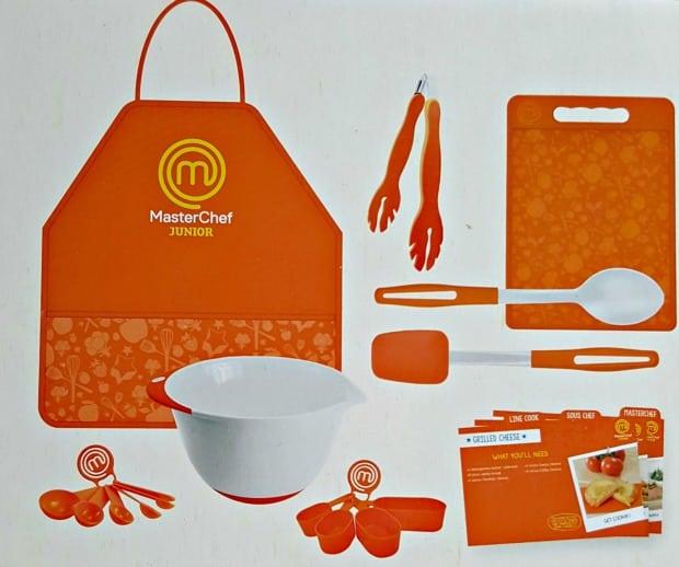 masterchef junior cooking set reader giveaway jinxy kids. Black Bedroom Furniture Sets. Home Design Ideas