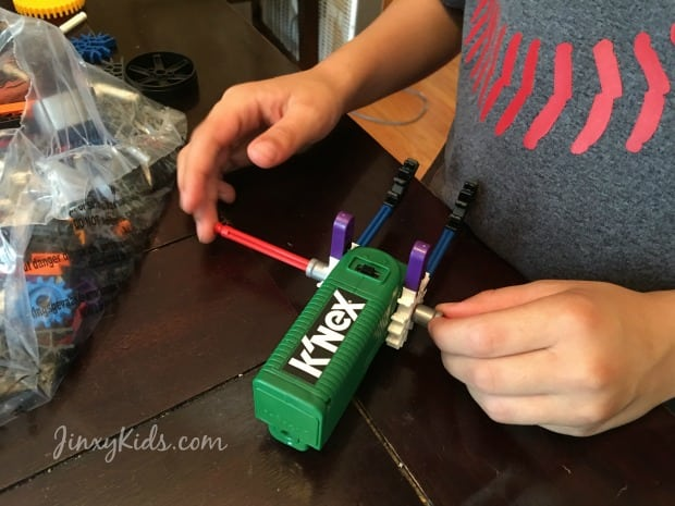 Constructing KNEX Turbo Jet