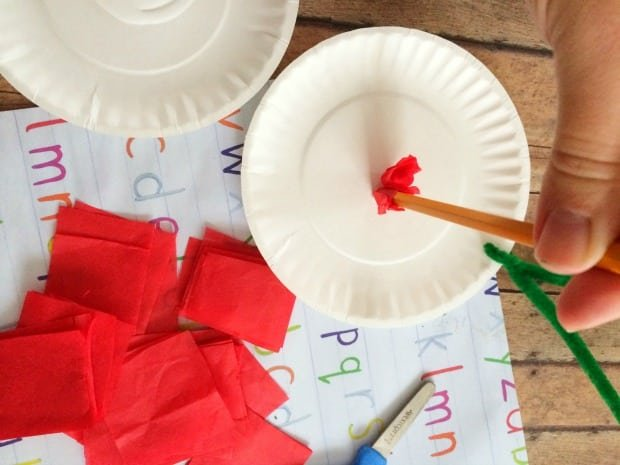 tissue-paper-plate-apple-craft-process