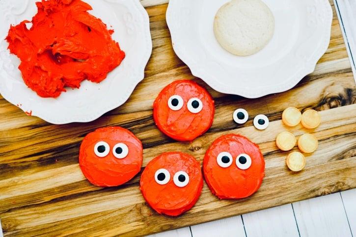 Fun & Easy Elmo Cookies process