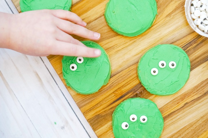 Toy Story Alien Cookies process