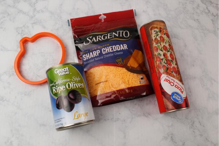 Halloween Mini Pumpkin Pizzas Recipe ingredients needed