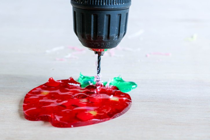 Melted Beads Apple Suncatchers process